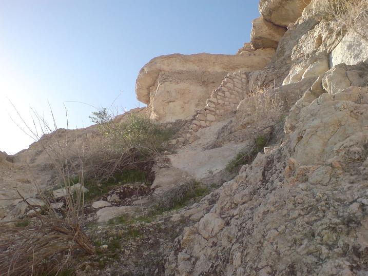 گزارش تصويري > قلعه قلات . دژمستحكم گذشته ها در شرق جناح / طبيعت سرسبز